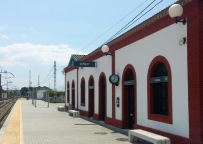 Supply and installation of elements to access and control facilities in Espeluy and Cortes de la Frontera Station.