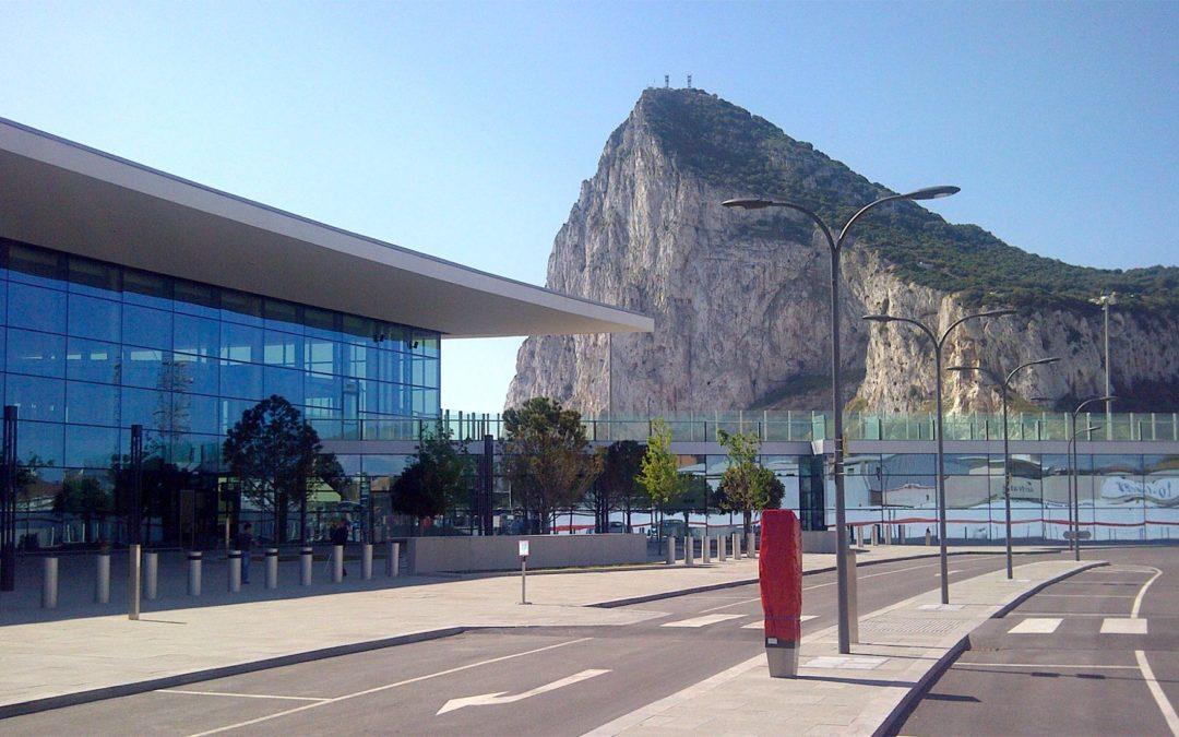 """Sistema SCADA para """"Fuel Farm"""" en el Aeropuerto de Gibraltar"""